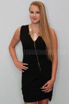 Zsuzsanna L hostess 02